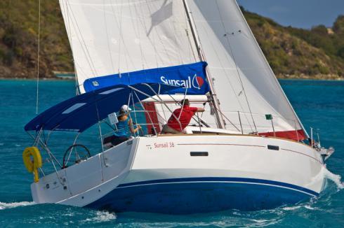 Sunsail 38 segelnd