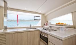 Sunsail 404 Bordküche