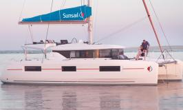 Sunsail Lagoon 464